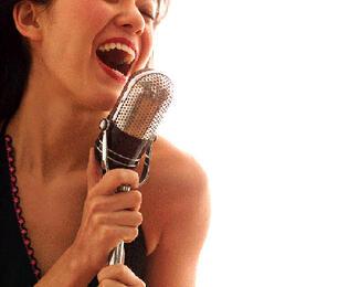 Исполняйте любимые песни со скидкой до 50% в караоке-клубе по вашему выбору!