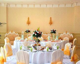Скидки на проведение торжеств в банкетном зале «Aigerim» при гостиничном комплексе «Думан»!
