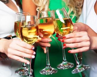 Приглашаем на закрытые вечеринки в кругу друзей и коллег в La Mare