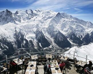 Пара слов о «высокой» кухне: рестораны под облаками