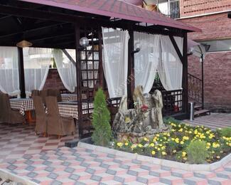 Весна в кафе «Вилла»: летняя площадка и новое меню