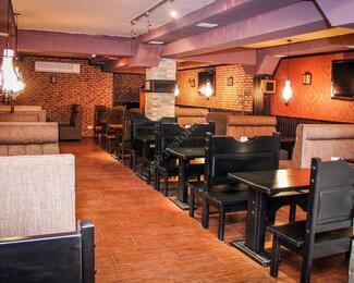 Смотрим футбол в спорт-баре Po-Pravde Bar.