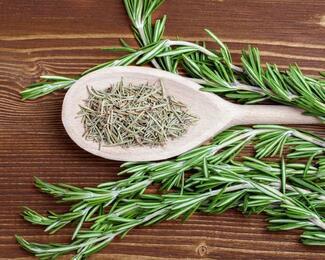 Готовим «заТравку»: 6 трав, которые придадут новое звучание блюду