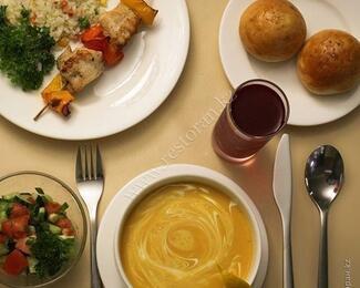 По-домашнему эстетично и вкусно: столовая бизнес-класса Ozz