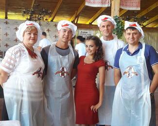 Ксения Готовская провела PR-акцию для трактира «Медведь»
