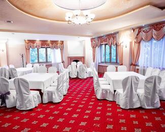 Новогодний праздник с рестораном «Пугасов»