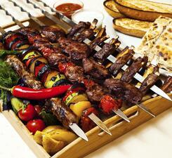 Ассорти из мясных деликатесов
