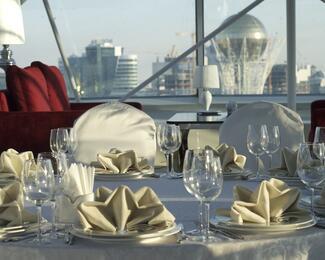 DIP Lounge — ресторан под самым небом Астаны на 21 этаже отеля «Дипломат»