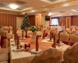 Выбирайте новогоднюю программу в банкетном зале «Отау»