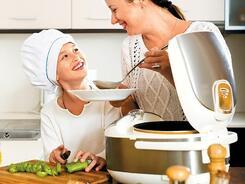 Юные кулинары: пять рецептов блюд, которые можно приготовить вместе с детьми