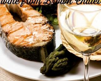 Бокал вина к стейку из рыбы от Brown Chalet