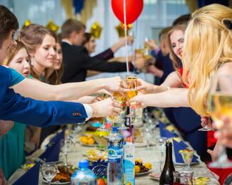 Ресторан Zumrat приглашает провести выпускные вечера