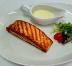 Филе лосося на гриле в сливочно-лимонном соусе