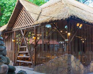 Летняя площадка в кафе «Караван» встречает гостей