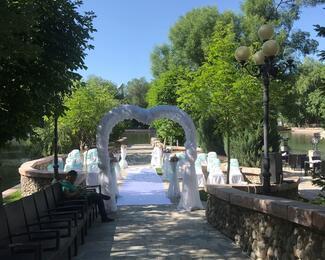 Свадебная церемония на пирсе ресторана The Float!