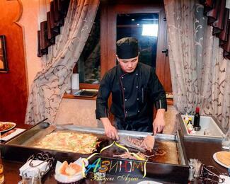Тепаньяки в кафе «Азиюм»