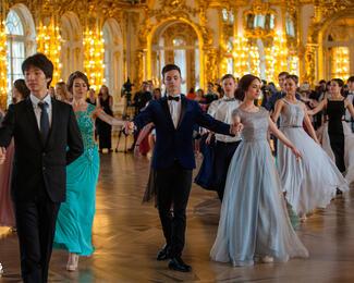 Ресторан «Алматы Туни» приглашает провести выпускной вечер