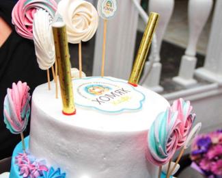 Торт в подарок от кафе «Хомяк»